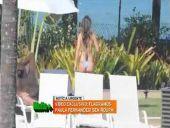 Paula-Fernandes-na-piscina
